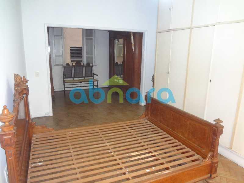 Suite Master. - Praia do Flamengo, 4 quartos, sendo 1 suite, salão com varandão e sala de jantar ampla, lavabo, banheiro social, copa cozinha , área de serviço com 2 dependências. 259 m2 e VAGA NA ESCRITURA. - CPAP40322 - 17