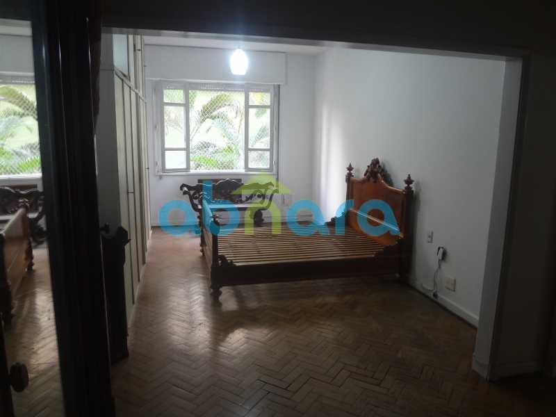Suite Master - Praia do Flamengo, 4 quartos, sendo 1 suite, salão com varandão e sala de jantar ampla, lavabo, banheiro social, copa cozinha , área de serviço com 2 dependências. 259 m2 e VAGA NA ESCRITURA. - CPAP40322 - 16