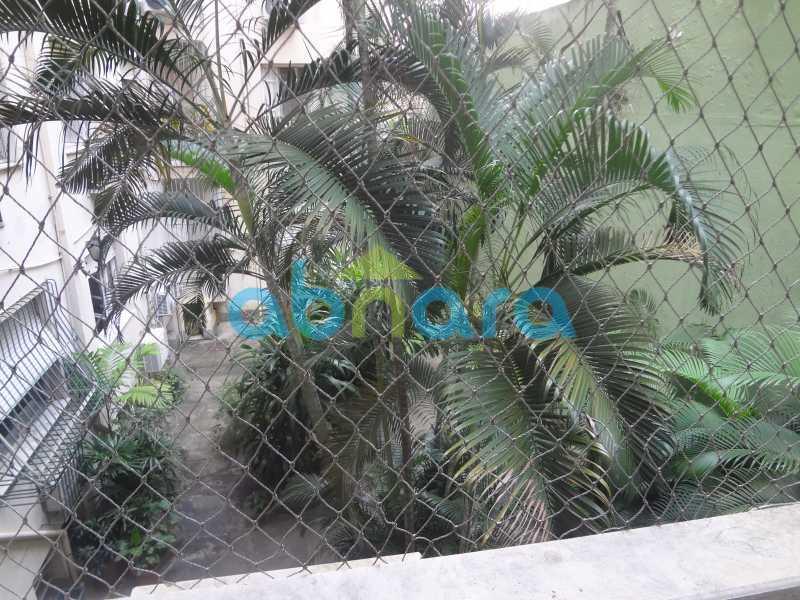 Jardim Interno. - Praia do Flamengo, 4 quartos, sendo 1 suite, salão com varandão e sala de jantar ampla, lavabo, banheiro social, copa cozinha , área de serviço com 2 dependências. 259 m2 e VAGA NA ESCRITURA. - CPAP40322 - 31