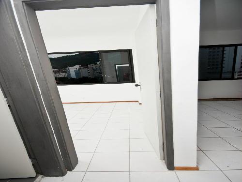 FOTO11 - Tijuca melhor localização Oportunidade 2 e 3 com suíte dependencia e garagem - RA20682 - 11