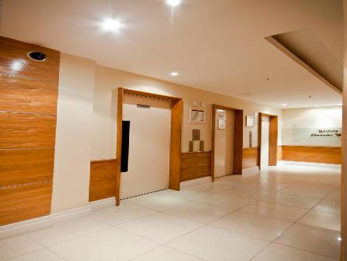 FOTO25 - Tijuca melhor localização Oportunidade 2 e 3 com suíte dependencia e garagem - RA20682 - 21