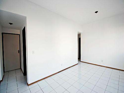 FOTO3 - Tijuca melhor localização Oportunidade 2 e 3 com suíte dependencia e garagem - RA20682 - 5
