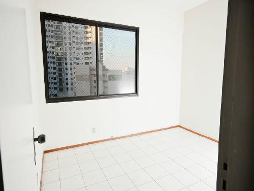 FOTO36 - Tijuca melhor localização Oportunidade 2 e 3 com suíte dependencia e garagem - RA20682 - 28