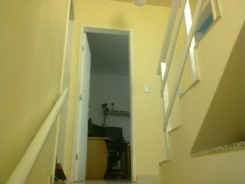 FOTO4 - Casa duplex em condomínio fechado, portão automático junto Colégio Pentágono 3quartos suíte terraço 1 vaga ac carta! - RR30117 - 5