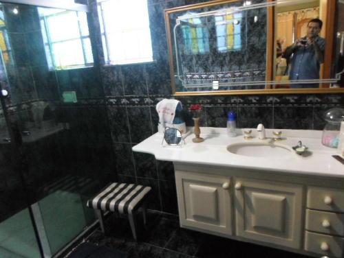 FOTO23 - Casa 4 quartos à venda Vila Valqueire, Rio de Janeiro - R$ 1.100.000 - RR40064 - 24