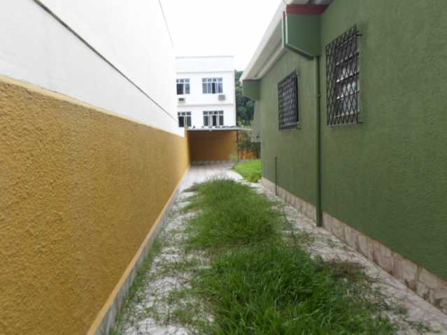 SAM_2605 - Valquire, casa, linear, 350M2, Quintal, Vazia, C. Terreno, Vagas - VLCA20001 - 4
