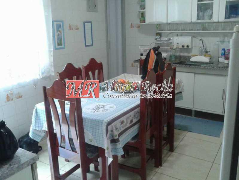 30741027_741662799369728_83419 - Casa de Vila 3 quartos à venda Marechal Hermes, Rio de Janeiro - R$ 350.000 - VLCV30006 - 6