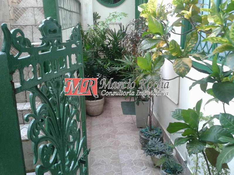 31045311_741662829369725_66444 - Casa de Vila 3 quartos à venda Marechal Hermes, Rio de Janeiro - R$ 350.000 - VLCV30006 - 18