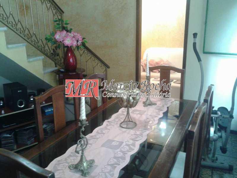 31093404_741661856036489_14914 - Casa de Vila 3 quartos à venda Marechal Hermes, Rio de Janeiro - R$ 350.000 - VLCV30006 - 7