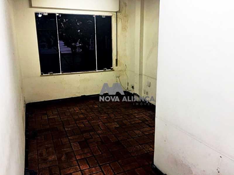8a6f6f17-c1f1-4c59-9652-091919 - Grande oportunidade! Uma casa bem localizada no coração no coração de Laranjeiras. Casa duplex . Térreo: Funcionava um grande estúdio nos fundos tem um banheiro amplo. 1º Pavimento: Uma cozinha aberta, 3 dormitórios, 1 banheiro 1 banheiro social. 2° pavi - NFCA50024 - 20