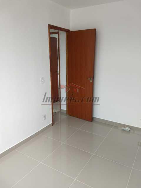 03. - Apartamento à venda Rua Mapendi,Taquara, Rio de Janeiro - R$ 250.000 - PEAP20745 - 6