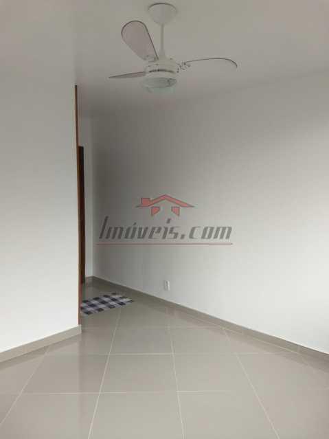 04. - Apartamento à venda Rua Mapendi,Taquara, Rio de Janeiro - R$ 250.000 - PEAP20745 - 7