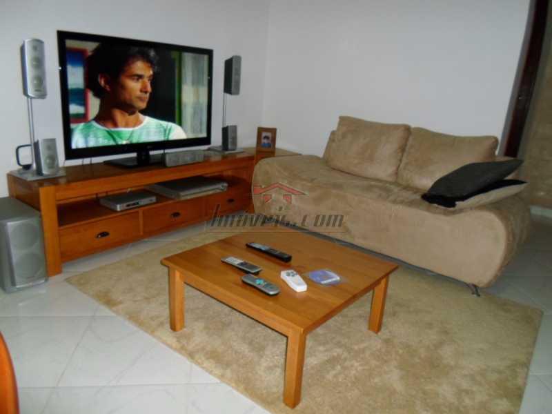 1 - Casa em Condomínio 2 quartos à venda Taquara, Rio de Janeiro - R$ 320.000 - PECN20235 - 1