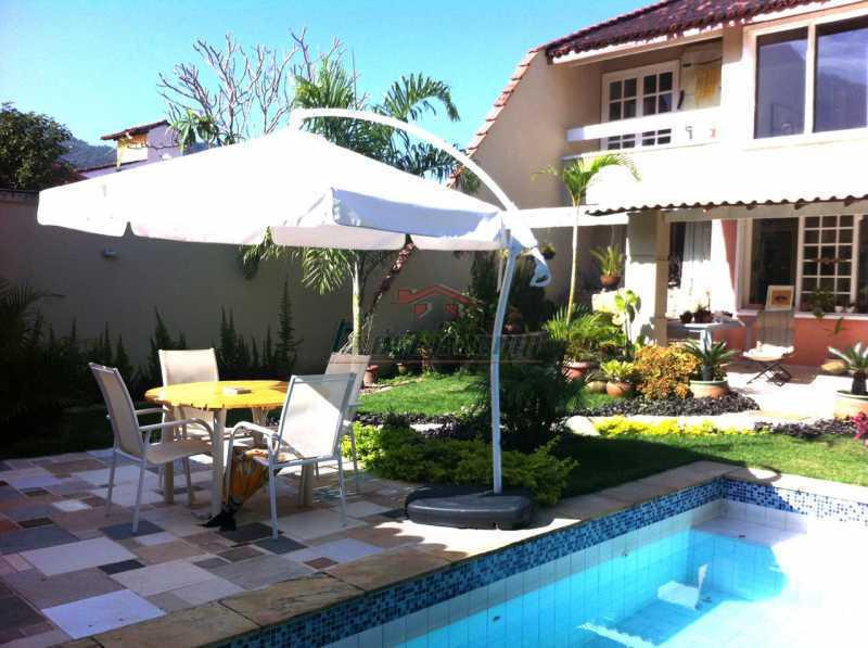 1 - Casa em Condomínio 2 quartos à venda Jacarepaguá, Rio de Janeiro - R$ 900.000 - PECN20266 - 1