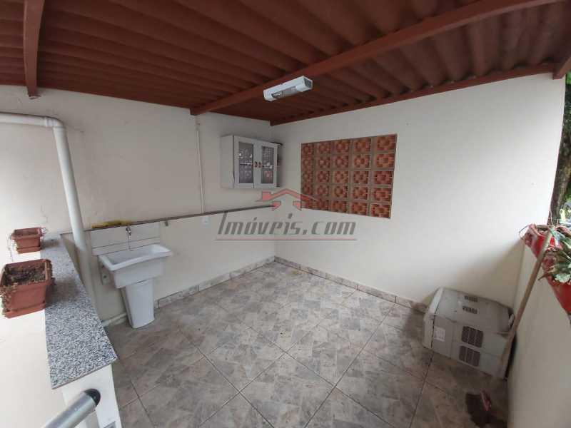 fff8a188-9320-4302-a2d8-fc6a66 - Excelente Casa na Avenida Geremário Dantas no centro de Pechincha - PECV20092 - 14
