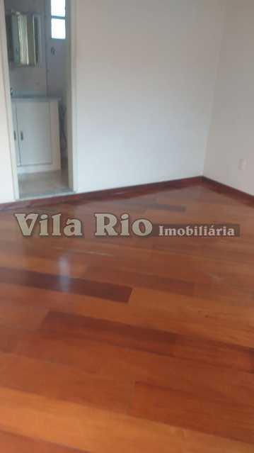 QUARTO - Casa Irajá,Rio de Janeiro,RJ À Venda,3 Quartos,168m² - VCA30044 - 11