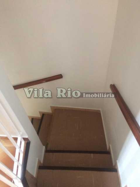 Escada - Casa Vila Kosmos,Rio de Janeiro,RJ À Venda,2 Quartos,110m² - VCA20044 - 14