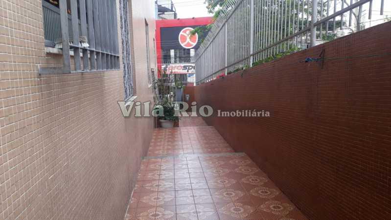 Circulação externa.1 - Casa 6 quartos à venda Irajá, Rio de Janeiro - R$ 1.200.000 - VCA60003 - 24