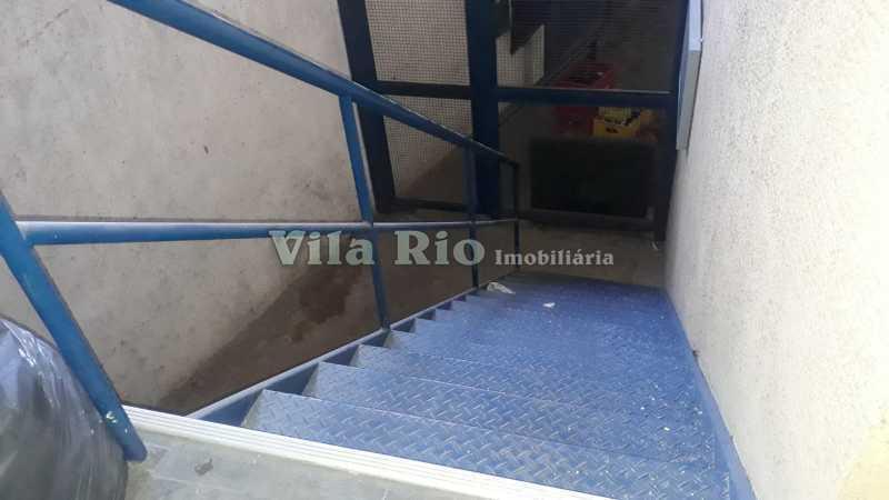Acesso ao escritório - Galpão 600m² para venda e aluguel Irajá, Rio de Janeiro - R$ 1.400.000 - VGA00019 - 4