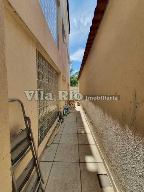 CIRCULAÇÃO EXTERNA. - Casa Vila Kosmos,Rio de Janeiro,RJ À Venda,3 Quartos,145m² - VCA30060 - 17