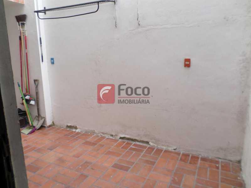 PEQUENA ÁREA EXTERNA - Prédio 495m² à venda Rua Alice,Laranjeiras, Rio de Janeiro - R$ 2.050.000 - FLPR00008 - 9