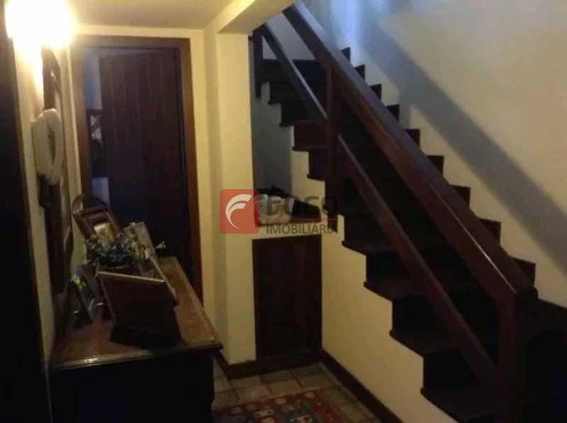 ESCADA DE ACESSO 2 PISO - Casa em Condomínio à venda Rua Stefan Zweig,Laranjeiras, Rio de Janeiro - R$ 4.700.000 - FLCN50006 - 16
