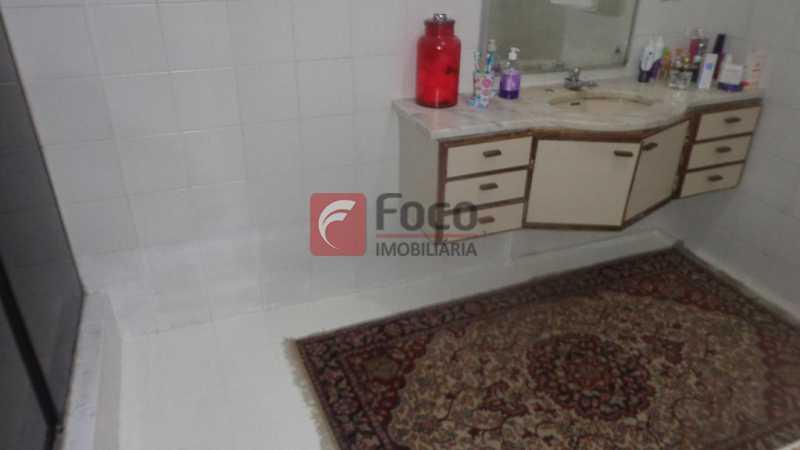 BANHEIRO SUÍTE 2 - Casa à venda Rua Belisário Távora,Laranjeiras, Rio de Janeiro - R$ 2.400.000 - FLCA40072 - 15