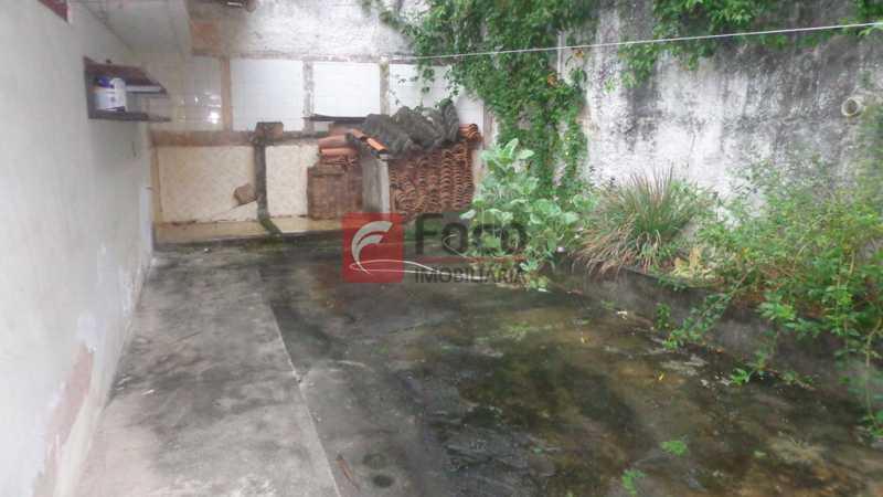 QUINTAL PARTE DE TRÁS - Casa à venda Rua Belisário Távora,Laranjeiras, Rio de Janeiro - R$ 2.400.000 - FLCA40072 - 26