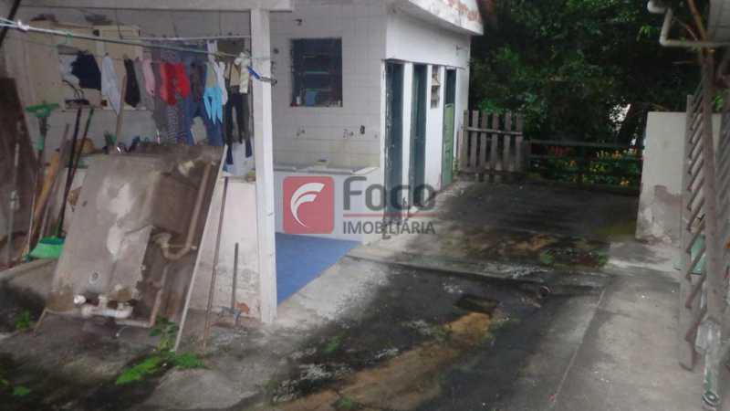 QUINTAL/ÁREA SERV/DEPENDÊNCIAS - Casa à venda Rua Belisário Távora,Laranjeiras, Rio de Janeiro - R$ 2.400.000 - FLCA40072 - 27