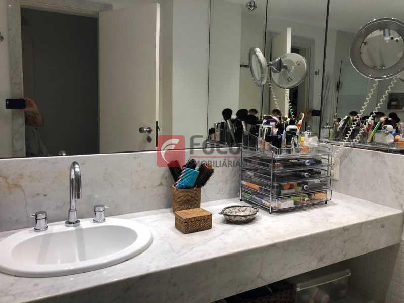 Banheiro suite - Apartamento Lagoa,Rio de Janeiro,RJ À Venda,3 Quartos,205m² - JBAP31022 - 19