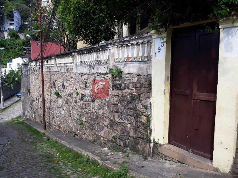 FACHADA - Casa à venda Rua André Cavalcanti,Centro, Rio de Janeiro - R$ 750.000 - FLCA70010 - 23