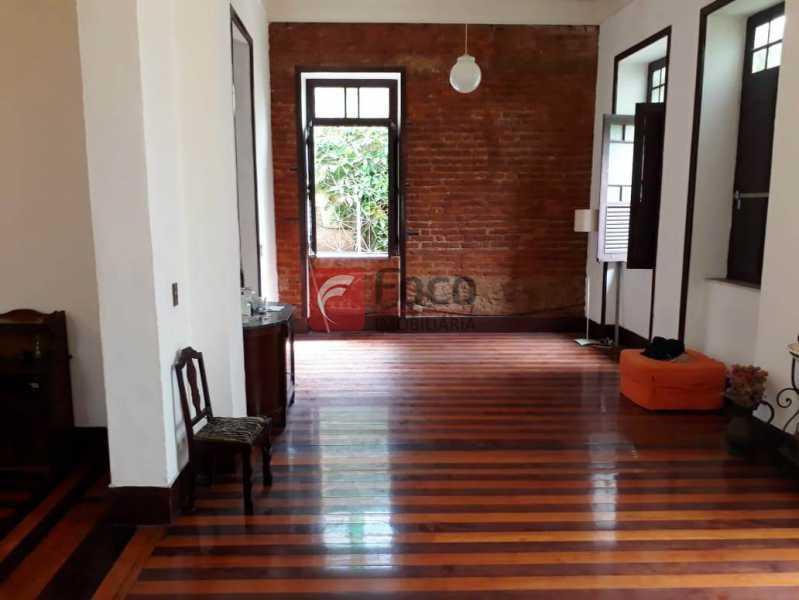 SALÃO DE ESTAR - Casa à venda Rua André Cavalcanti,Centro, Rio de Janeiro - R$ 750.000 - FLCA70010 - 4