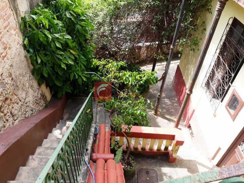 ACESSO EXTERNO - Casa à venda Rua André Cavalcanti,Centro, Rio de Janeiro - R$ 750.000 - FLCA70010 - 20