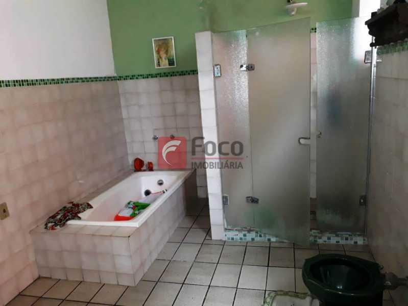BANHEIRO - Casa à venda Rua André Cavalcanti,Centro, Rio de Janeiro - R$ 750.000 - FLCA70010 - 16