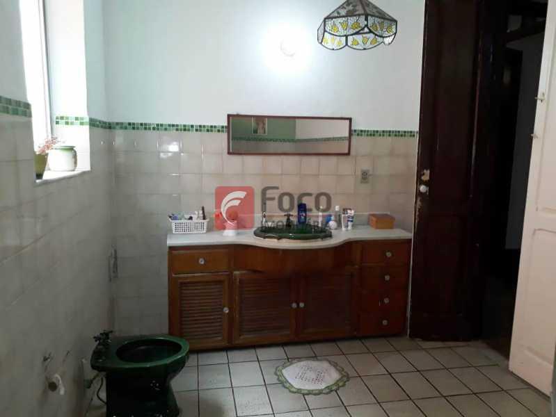 BANHEIRO - Casa à venda Rua André Cavalcanti,Centro, Rio de Janeiro - R$ 750.000 - FLCA70010 - 15