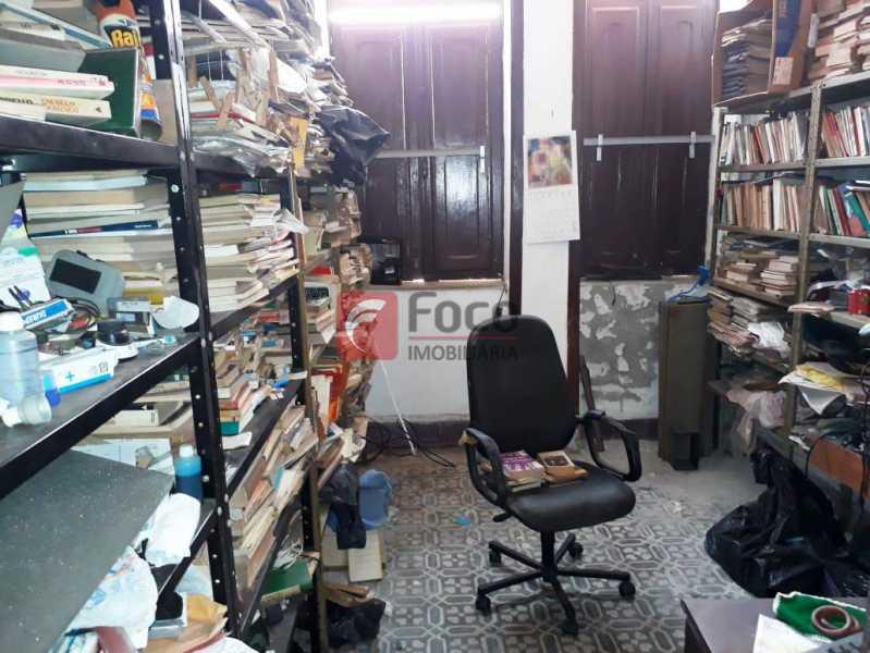 QUARTO - Casa à venda Rua André Cavalcanti,Centro, Rio de Janeiro - R$ 750.000 - FLCA70010 - 12