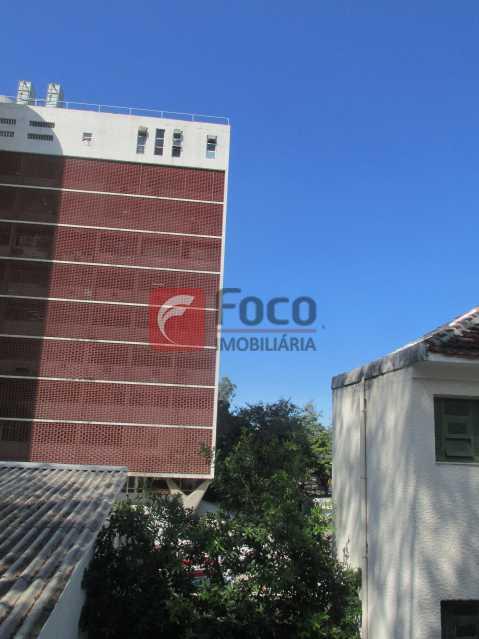 Vista quarto 2 - Apartamento à venda Rua J. J. Seabra,Lagoa, Rio de Janeiro - R$ 845.000 - JBAP21018 - 26