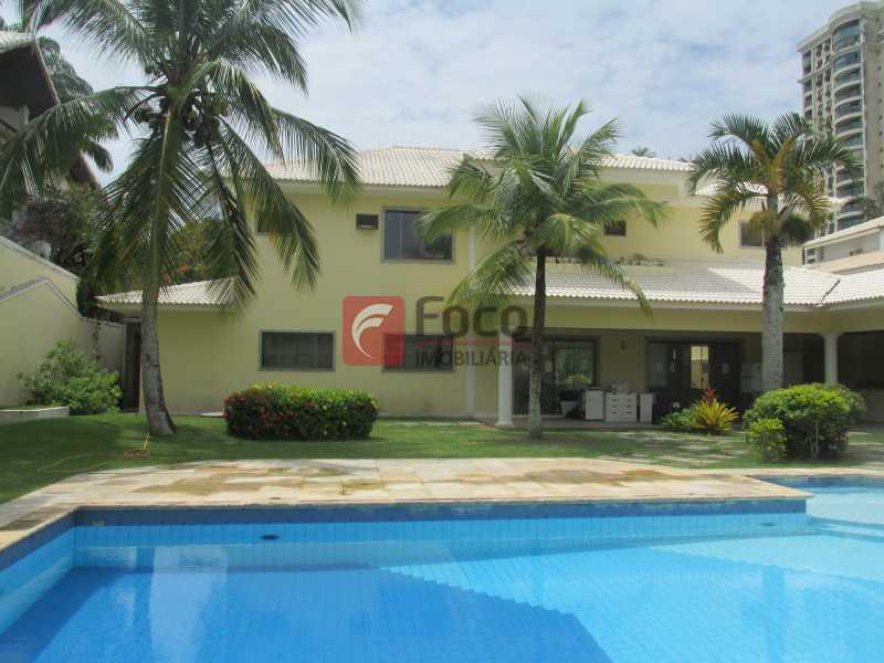 PISCINA - Casa em Condomínio à venda Rua Ariosto Berna,Barra da Tijuca, Rio de Janeiro - R$ 6.500.000 - JBCN40009 - 4
