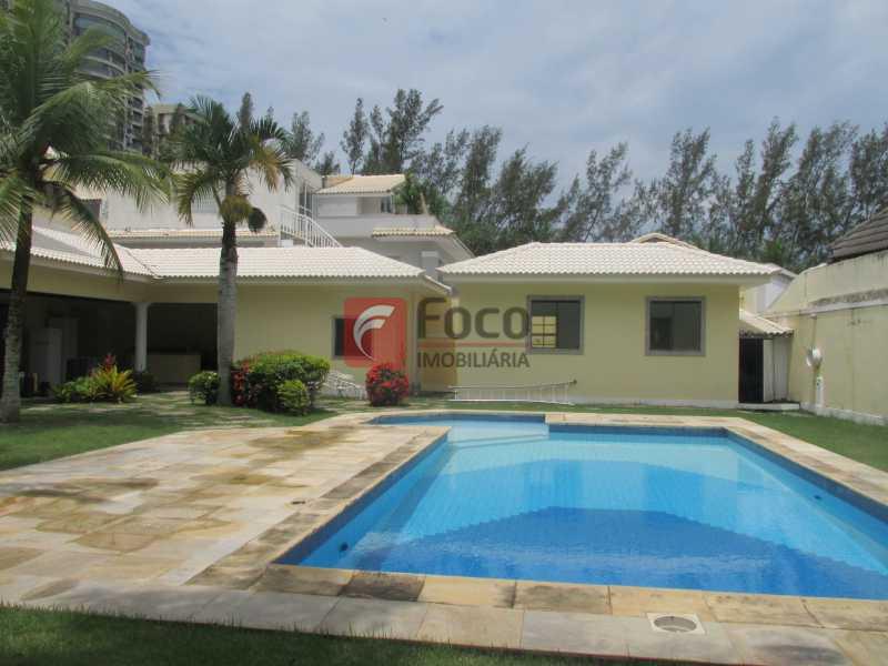 PISCINA - Casa em Condomínio à venda Rua Ariosto Berna,Barra da Tijuca, Rio de Janeiro - R$ 6.500.000 - JBCN40009 - 3
