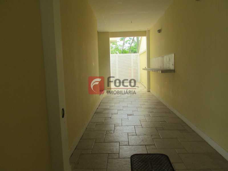 CIRCULAÇÃO EXTERNA - Casa em Condomínio à venda Rua Ariosto Berna,Barra da Tijuca, Rio de Janeiro - R$ 6.500.000 - JBCN40009 - 18
