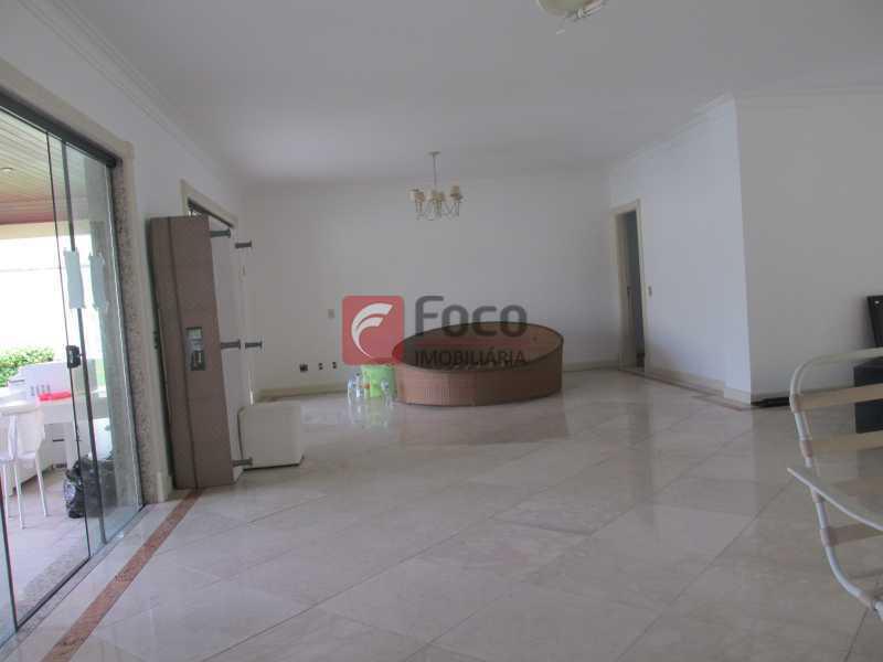 SALA - Casa em Condomínio à venda Rua Ariosto Berna,Barra da Tijuca, Rio de Janeiro - R$ 6.500.000 - JBCN40009 - 8