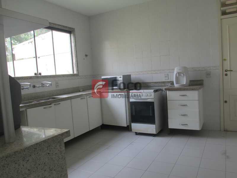 COZINHA - Casa em Condomínio à venda Rua Ariosto Berna,Barra da Tijuca, Rio de Janeiro - R$ 6.500.000 - JBCN40009 - 14