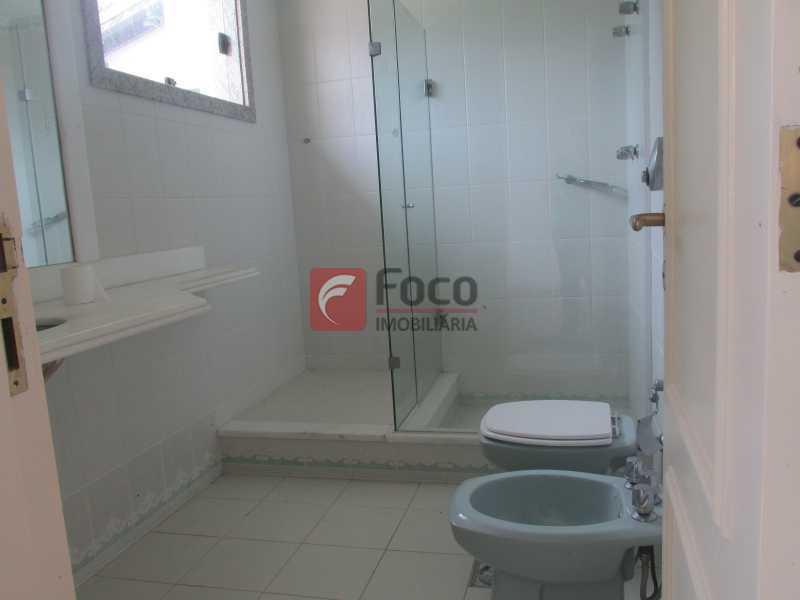 BANHEIRO SUÍTE - Casa em Condomínio à venda Rua Ariosto Berna,Barra da Tijuca, Rio de Janeiro - R$ 6.500.000 - JBCN40009 - 11