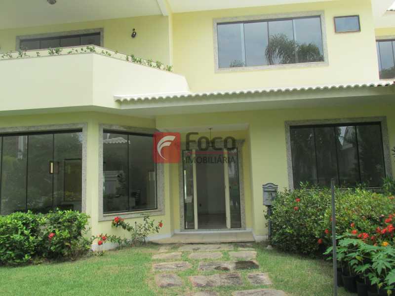 FACHADA - Casa em Condomínio à venda Rua Ariosto Berna,Barra da Tijuca, Rio de Janeiro - R$ 6.500.000 - JBCN40009 - 24