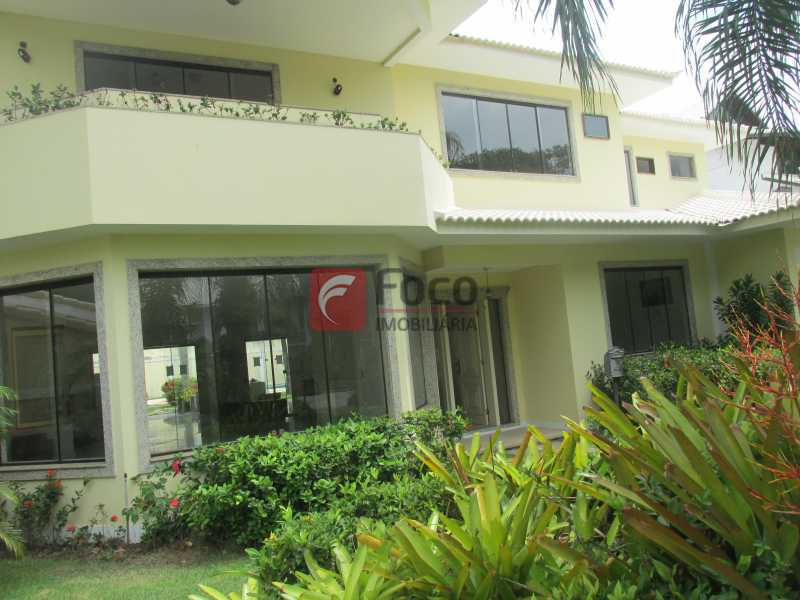 FACHADA - Casa em Condomínio à venda Rua Ariosto Berna,Barra da Tijuca, Rio de Janeiro - R$ 6.500.000 - JBCN40009 - 25