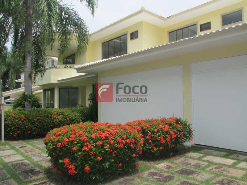 FACHADA - Casa em Condomínio à venda Rua Ariosto Berna,Barra da Tijuca, Rio de Janeiro - R$ 6.500.000 - JBCN40009 - 26