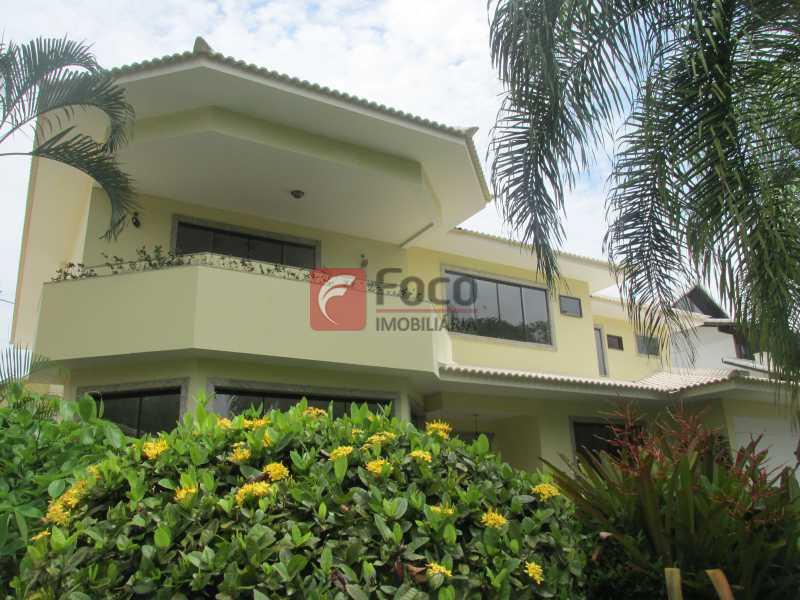 FACHADA - Casa em Condomínio à venda Rua Ariosto Berna,Barra da Tijuca, Rio de Janeiro - R$ 6.500.000 - JBCN40009 - 27