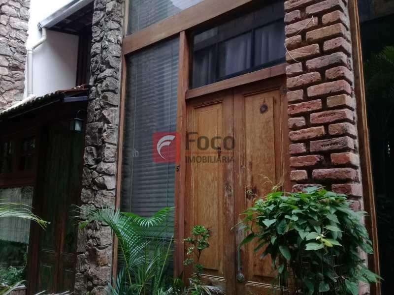 fachada - Casa de Vila à venda Rua Gago Coutinho,Laranjeiras, Rio de Janeiro - R$ 750.000 - JBCV10002 - 4