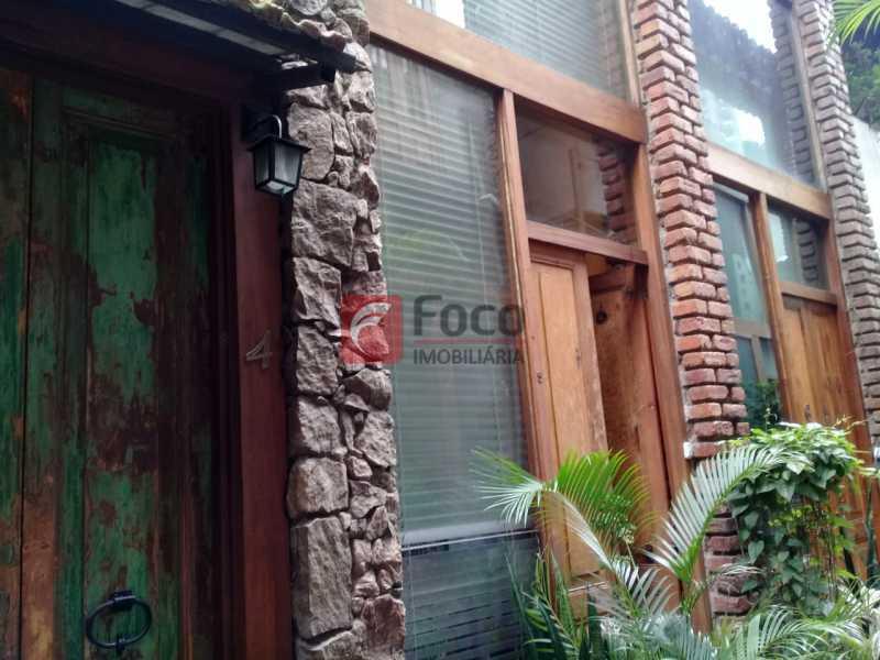 fachada - Casa de Vila à venda Rua Gago Coutinho,Laranjeiras, Rio de Janeiro - R$ 750.000 - JBCV10002 - 6
