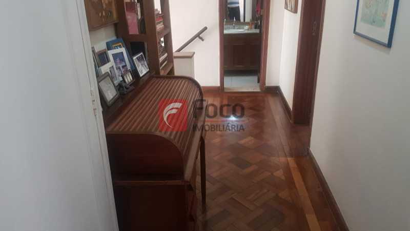 CIRCULAÇÃO ANDAR DE CIMA - Casa 4 quartos à venda Laranjeiras, Rio de Janeiro - R$ 1.900.000 - JBCA40066 - 26